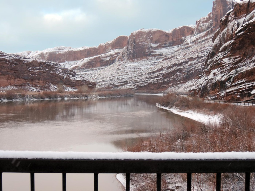 moab-river-icy-2153